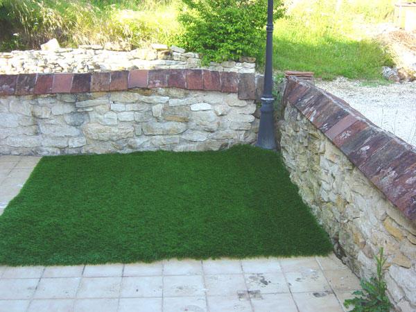 beaux gazons photos 35 du gazon synth tique la belle pelouse artificielle pour jardin balcon. Black Bedroom Furniture Sets. Home Design Ideas
